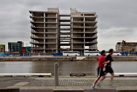 """Airijos sostinėje Dubline turėjo iškilti nauja """"Quinn Group"""" pagrindinė būstinė, kurios statybos dabar """"įšaldytos"""""""